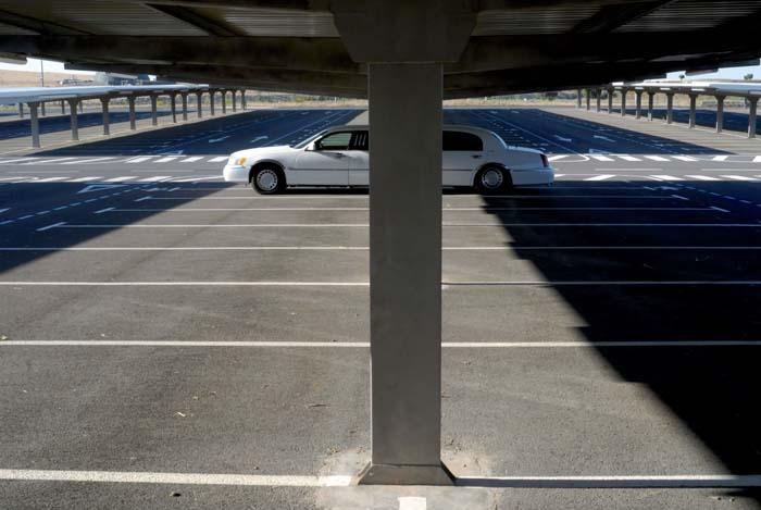 Pàrquing de l'aeroport de Ciudad Real © Fotografia de Carles Domènec.