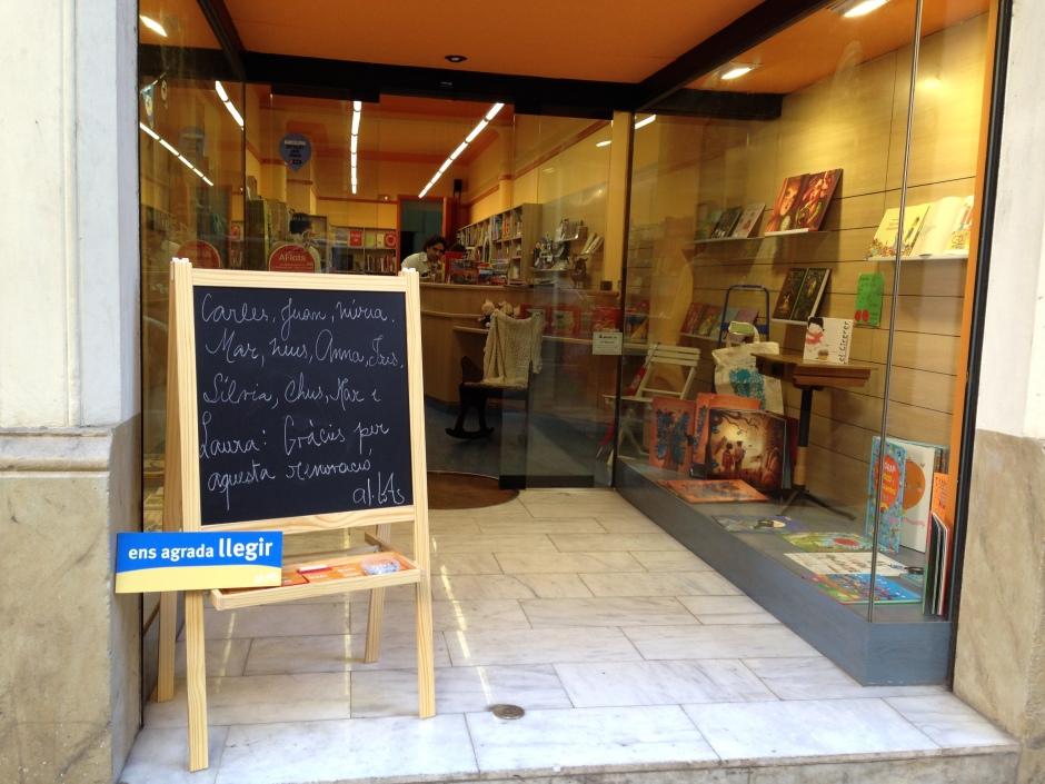 La llibreria Al·lots canvia la seva fesomia.