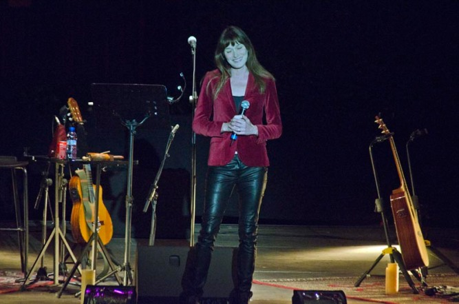 Carla Bruni a Pedralbes. © Fotografia de Carles Domènec