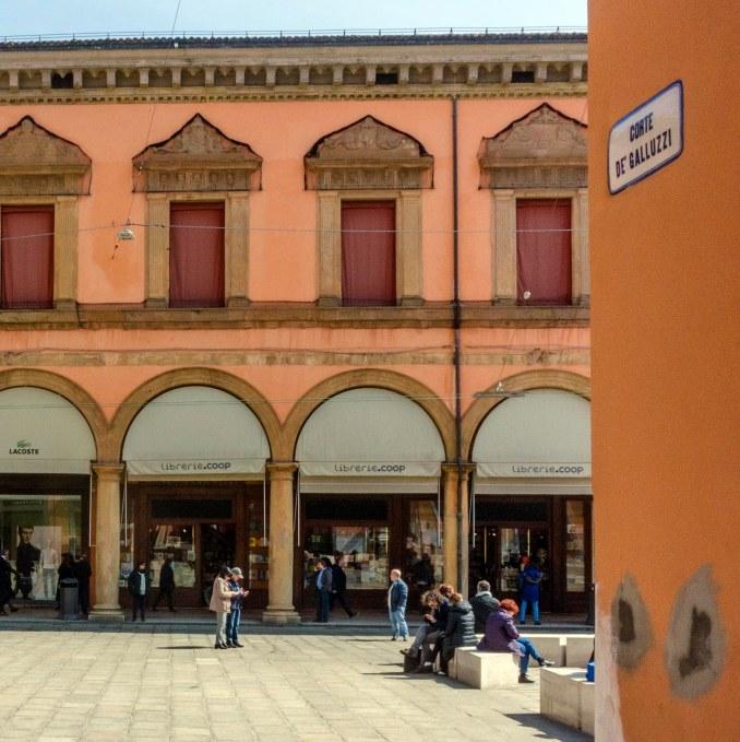 Llibreria Zanichelli, al centre de Bolonya. Fotografia de Carles Domènec.